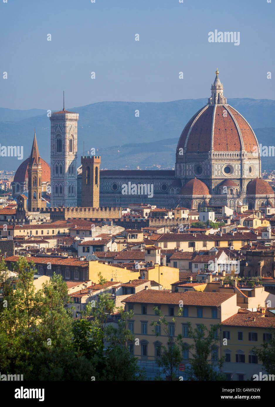 Firenze, Toscana, Italia. Vista sulla città al Duomo - Cattedrale di Santa Maria del Fiore Foto Stock