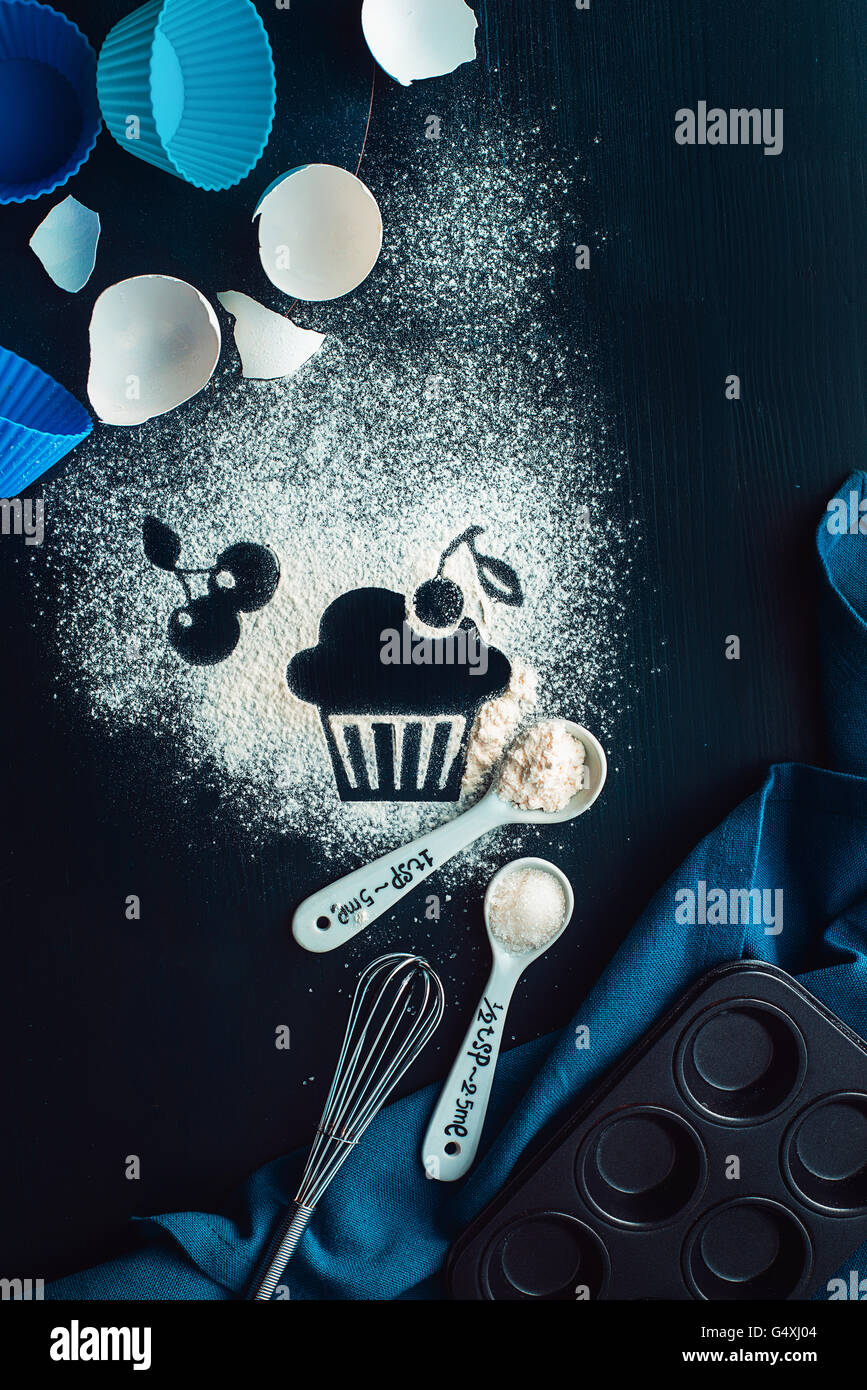 """Il lievito ricetta: ciliegia muffin serie """"Ricette e intenzioni"""" Immagini Stock"""