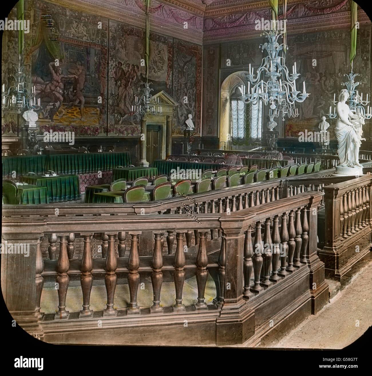 Prächtige Gemälde schildern die Geschichte von Florenz und der es beherrschenden Medici. Die Teppiche Immagini Stock
