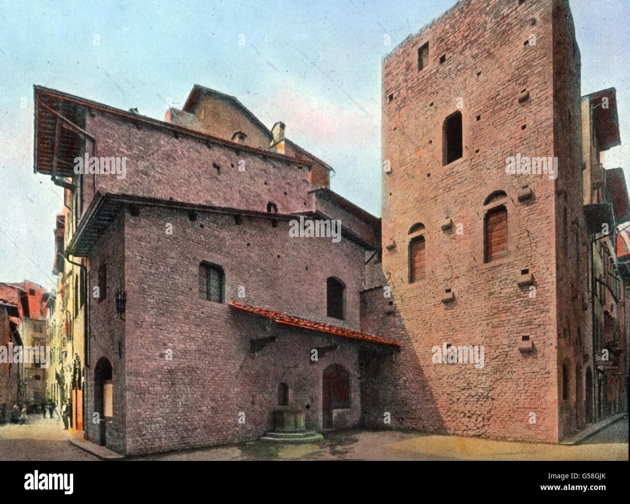 Heute aber weiß man, dass Dantes Familienhaus un dieser Stelle gelegen hat und man hat sich bemüht, es Immagini Stock