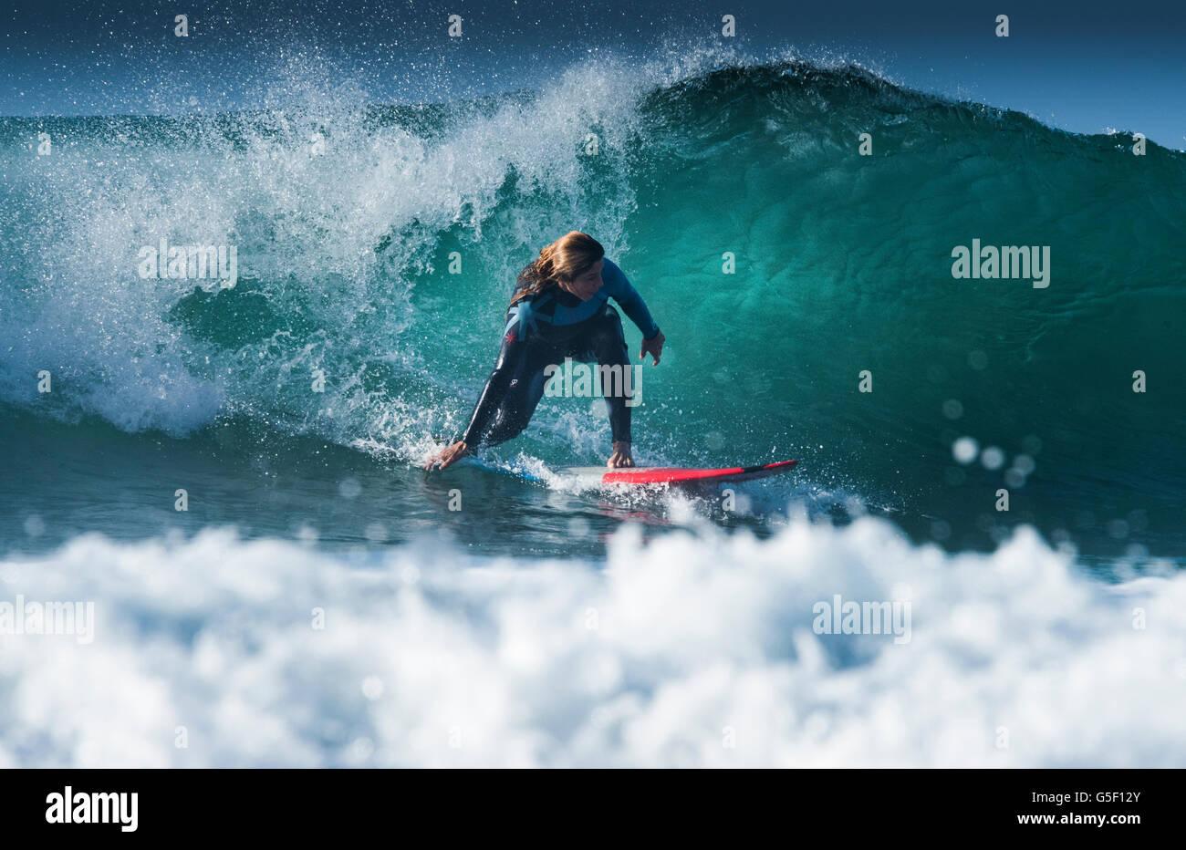 Surf El Bunker. Tarifa, Cadice, Costa de la Luz, Andalusia, Spagna. Immagini Stock