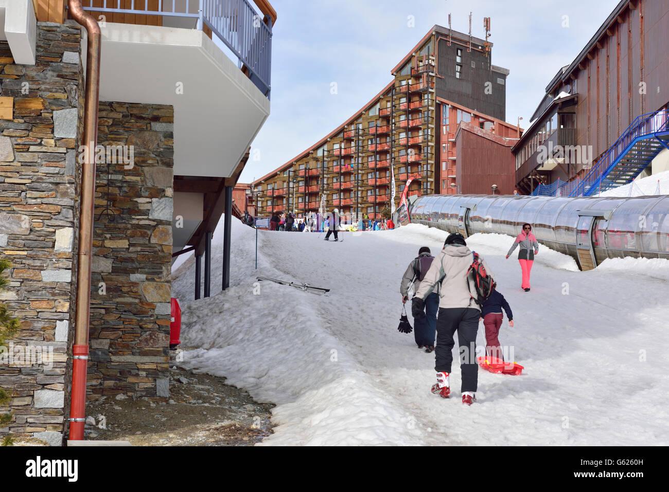 Ski resort novizio pendenza, Paradiski, Arc2000, Rhône-Alpes, in Francia Immagini Stock