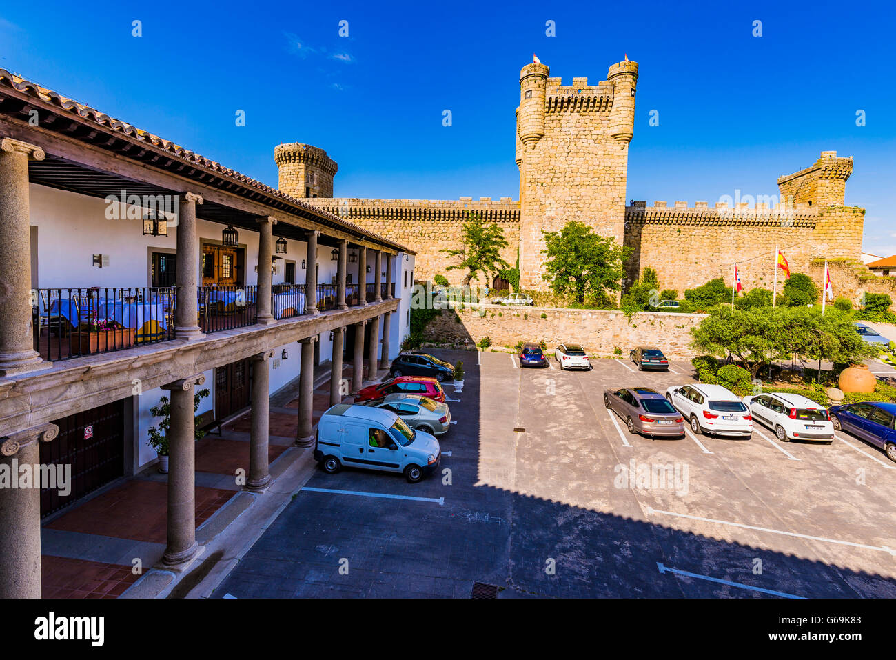 Parador Nacional de Turismo e castello di Oropesa Toledo, Castilla la Mancha, in Spagna, Europa Foto Stock