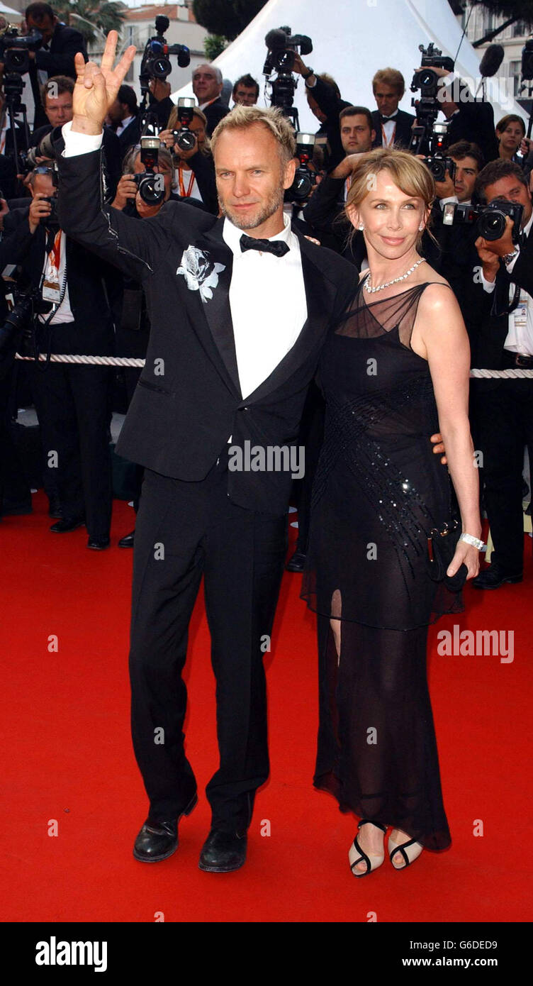 Sting e sua moglie Trudie Styler arrivano per la prima del film finale del 56° Festival di Cannes, Charlie: La vita e l'arte di Charles Chaplin, al Palais des Festival di Cannes, Francia. Foto Stock