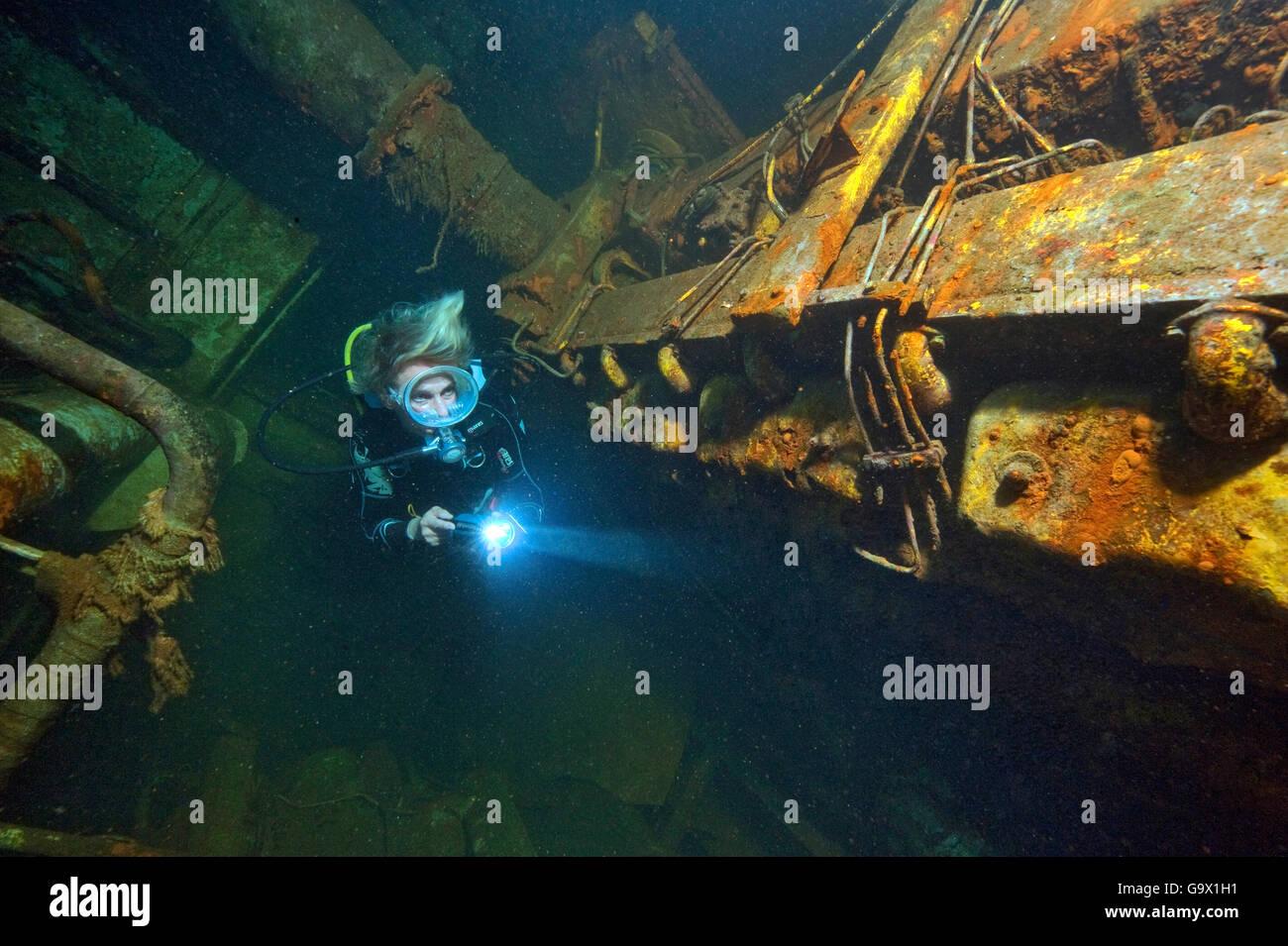 Relitto El Pejin, sala motore underwaterphoto, Tabaiba, Tenerife, Isole Canaray, Spagna, Europa, Atlantic / Tabaiba Immagini Stock