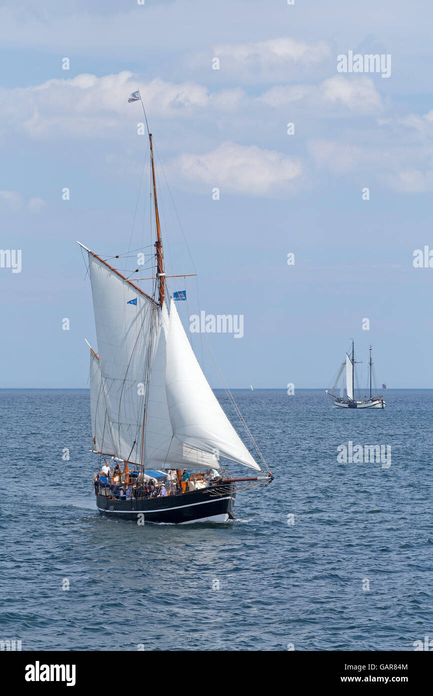 "Nave a vela ""Albin Köbis', Kiel Week, Kiel, Schleswig-Holstein, Germania Immagini Stock"