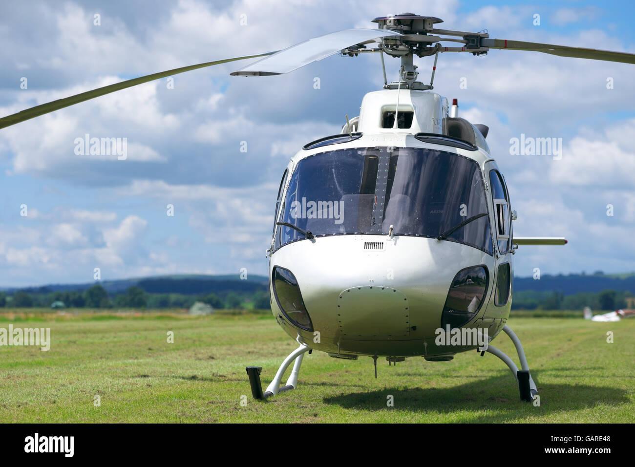 Elicottero 355 : Elicottero privato di aérospatiale come twin squirrel foto