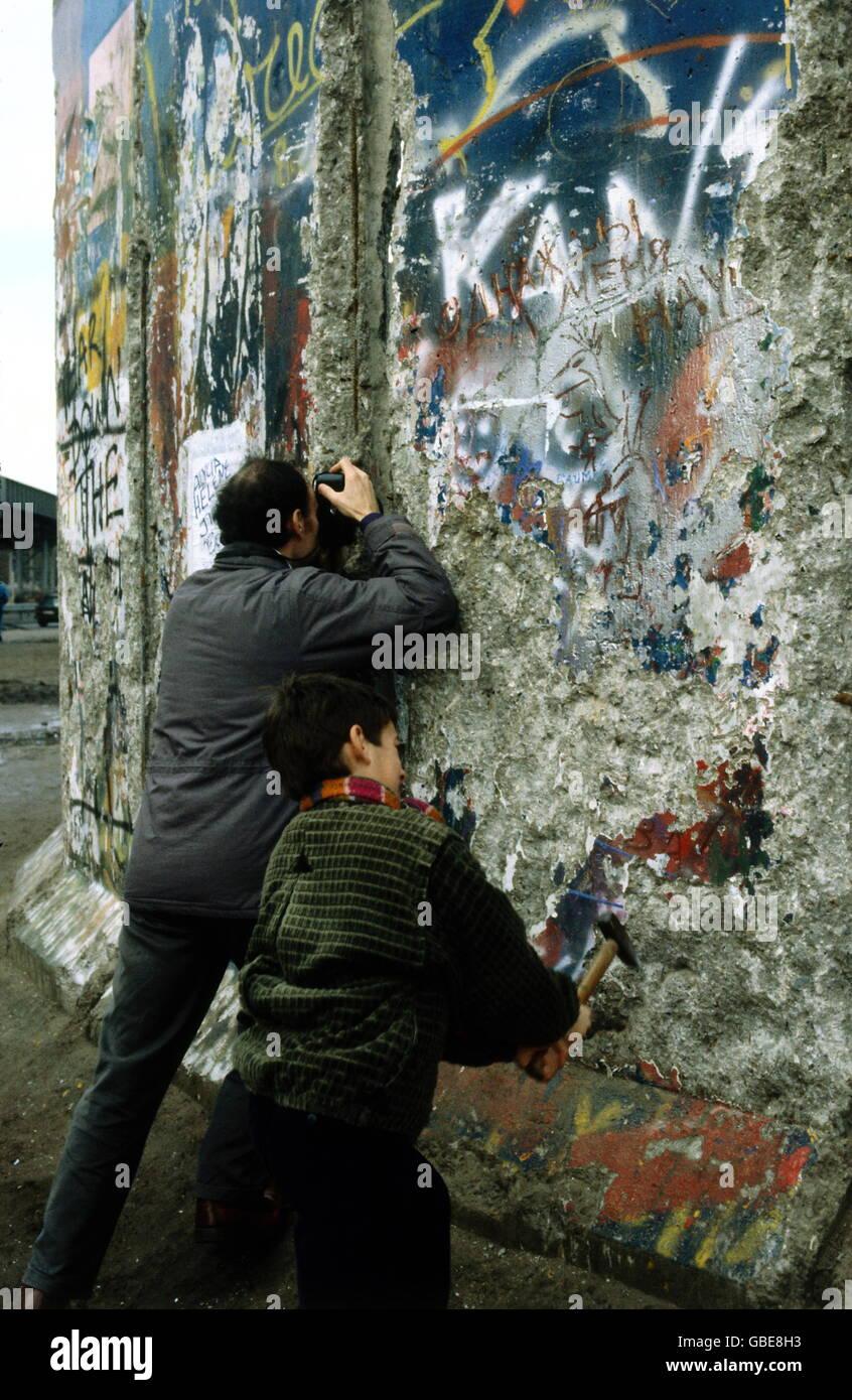 Geografia / viaggi, la Germania, la riunificazione, la caduta del muro di Berlino, la parete pecker, 1990, Additional Immagini Stock