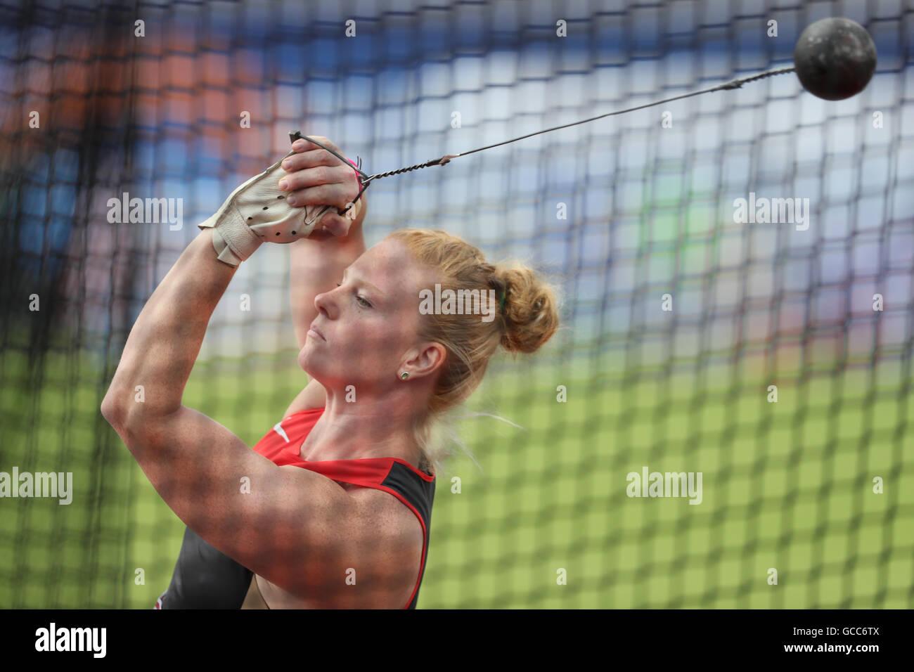 Amsterdam, Paesi Bassi. 08 Luglio, 2016. Betty Heidler di Germania compete durante le Donne Lancio del martello Immagini Stock