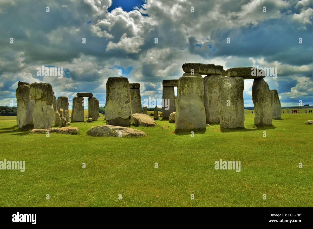 Stonehenge contro le nubi Immagini Stock