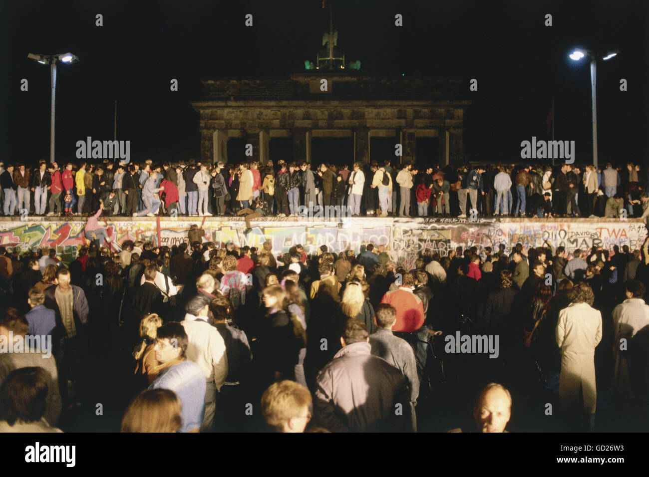 Geografia / viaggi, Germania, la riunificazione tedesca, la caduta del muro di Berlino, 9.11.1989, folla di persone Immagini Stock