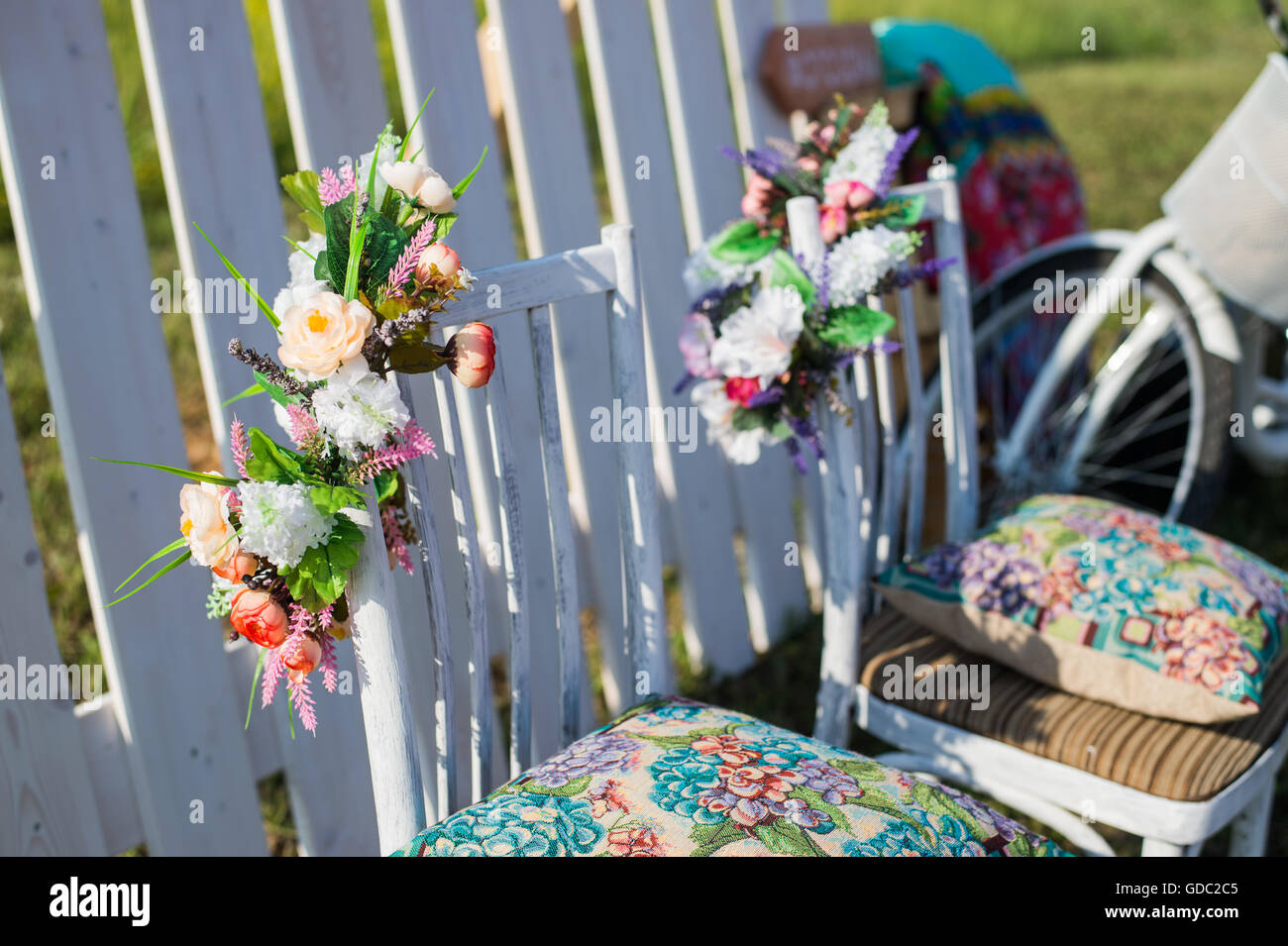 Bella Terrazza Aperta Nel Giardino Con Tiffany Vintage Colorate