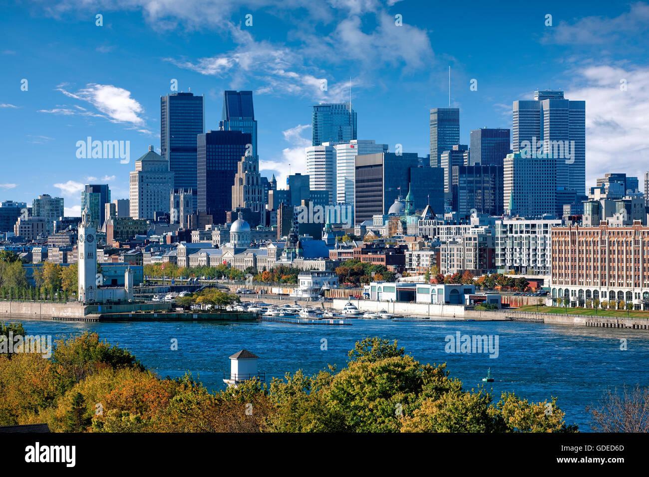 Lo skyline di Montreal e il quartiere degli affari Immagini Stock