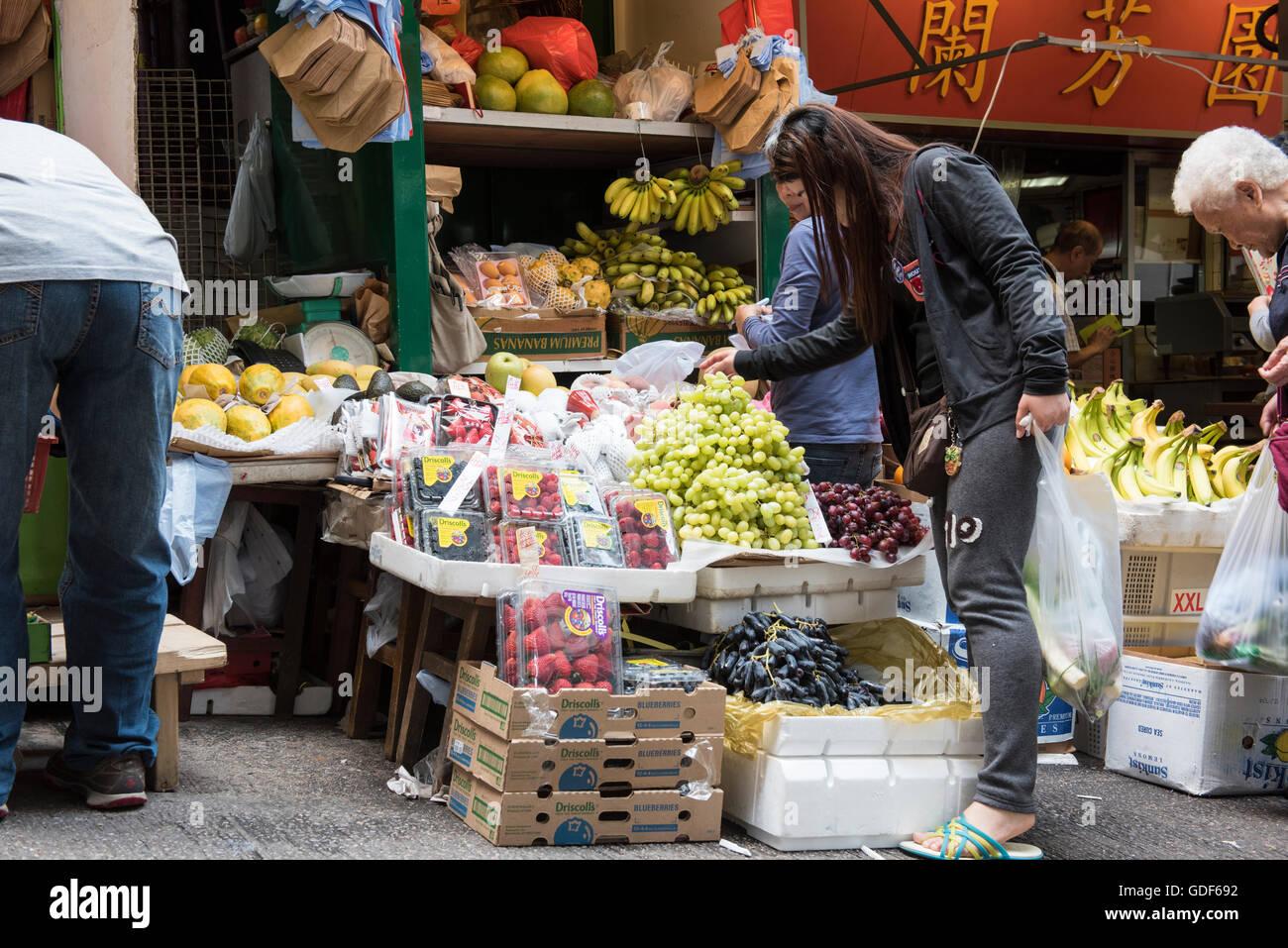 Calibro per esterni via mercato della frutta, Hong Kong Cina. Immagini Stock