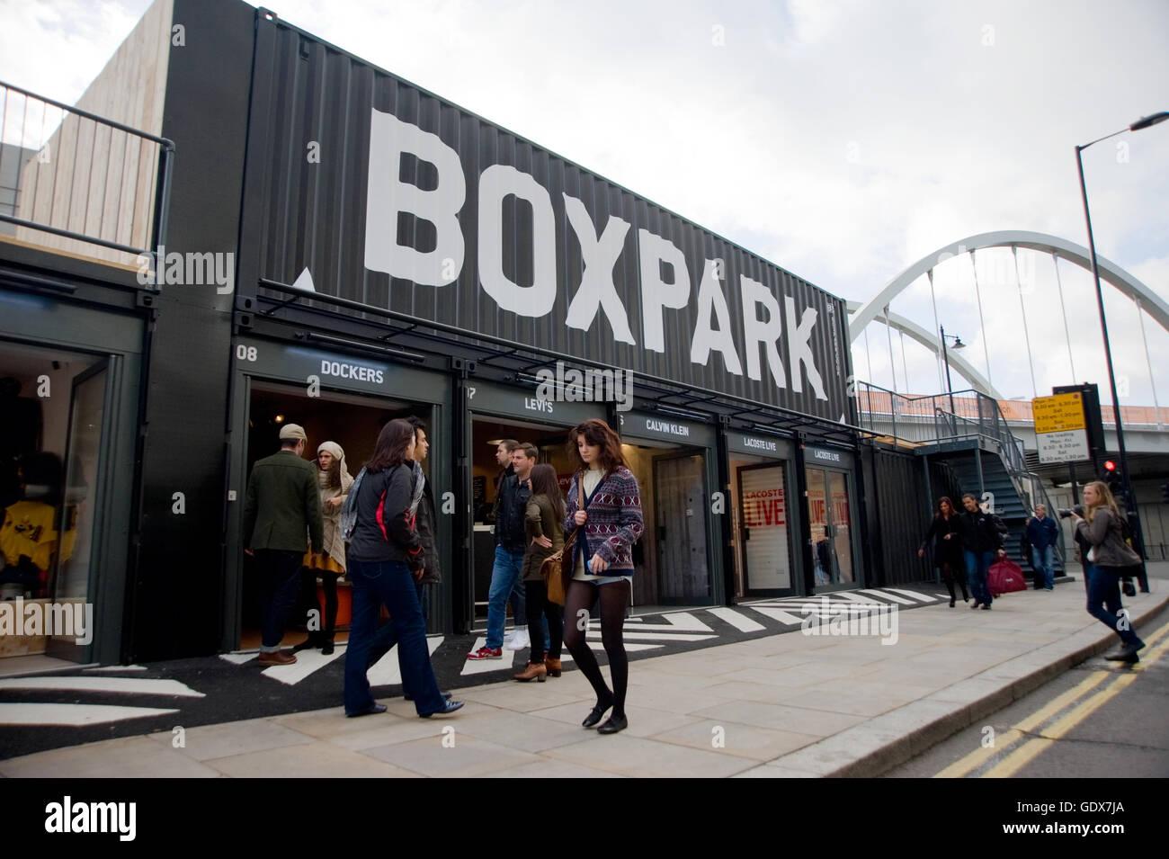 Box Park Shoreditch. è una temporanea Pop-up dello spazio di vendita al dettaglio con un contratto di affitto Immagini Stock