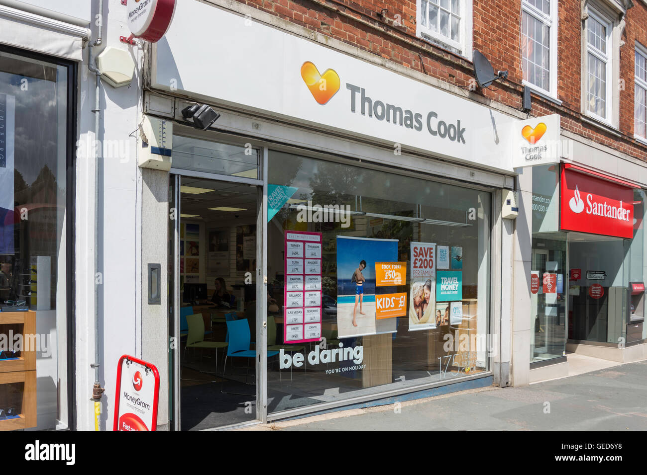 Thomas Cook Travel agent, Banstead High Street, Banstead, Surrey, England, Regno Unito Immagini Stock