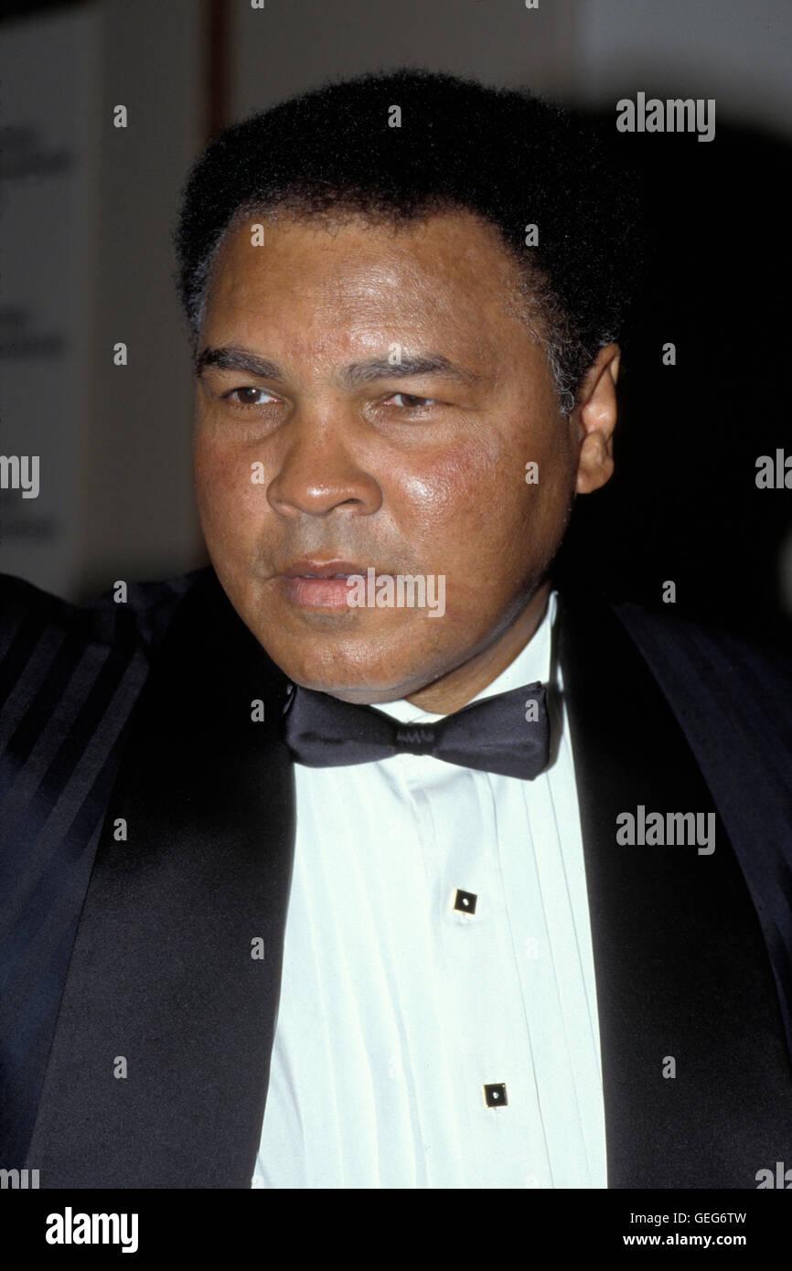 NEW YORK, NY - 21 agosto: Muhammad Ali partecipa a un evento al Madison Square Garden il Agosto 21, 1996 a New York Foto Stock