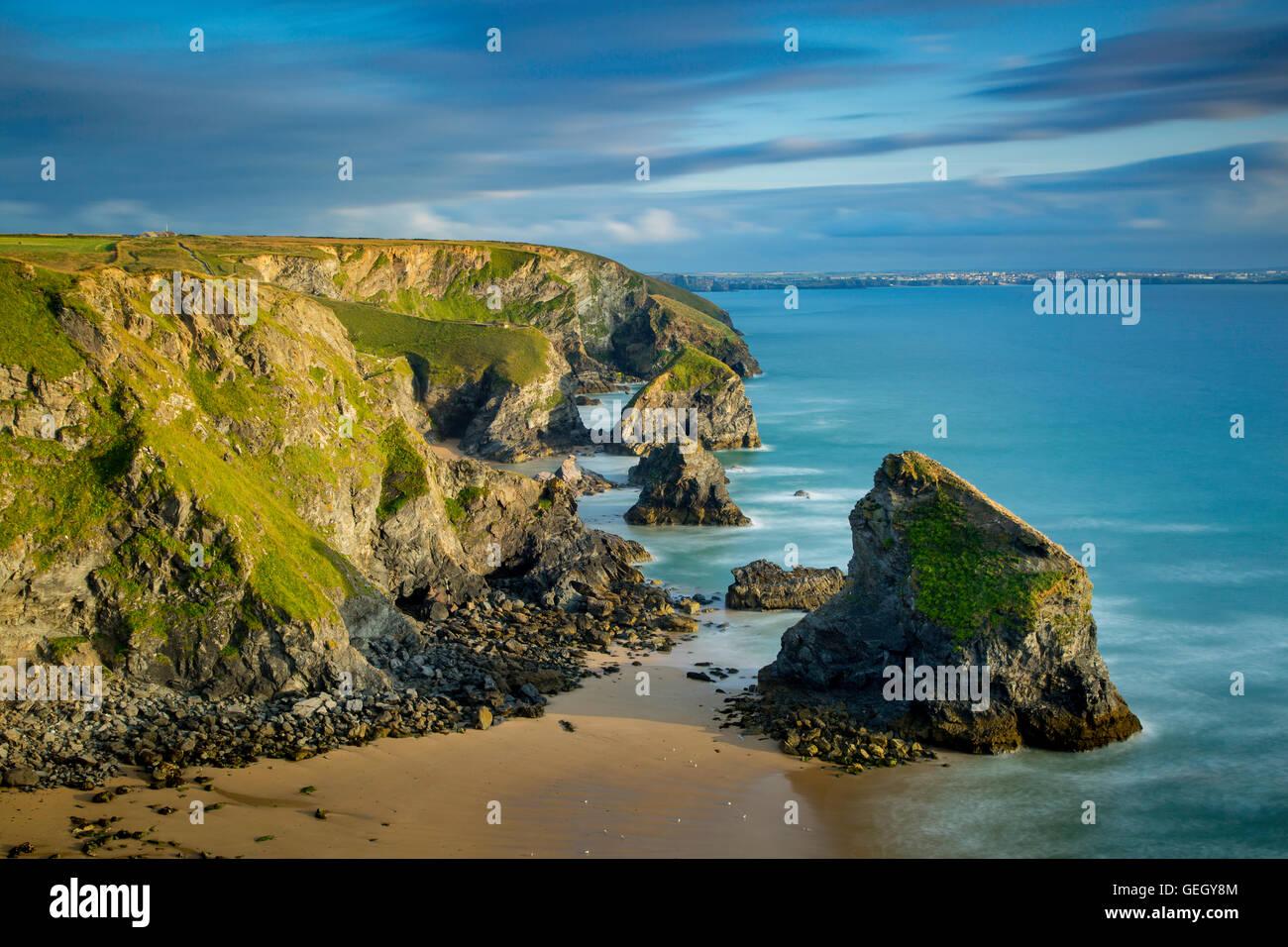 Tregurrian lungo la costa della Cornovaglia, England, Regno Unito Immagini Stock