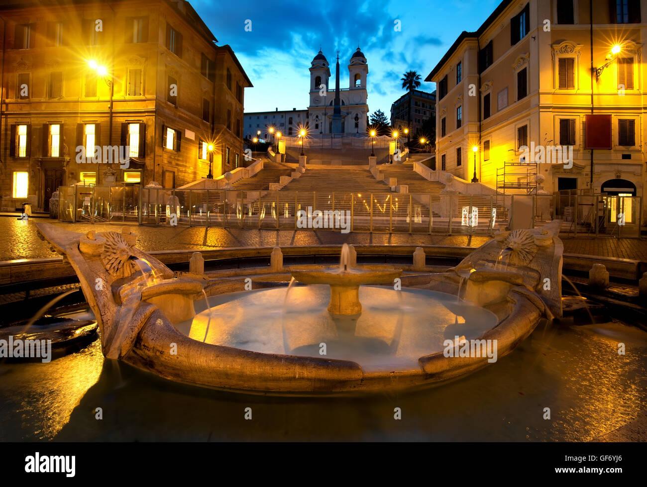 Scalinata di piazza di Spagna e fontana di Roma, Italia Immagini Stock