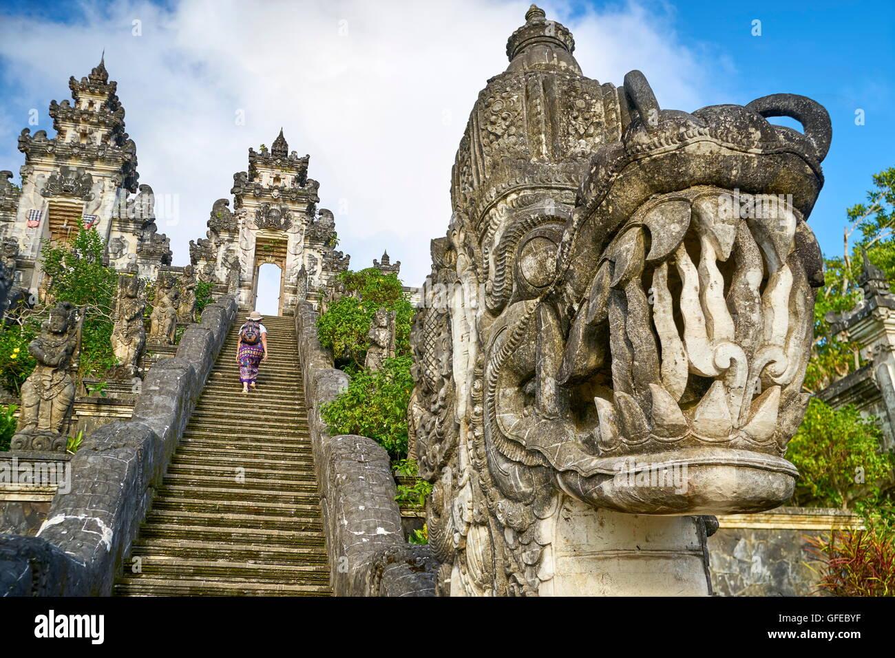 Faccia del drago, Pura Penataran Lempuyang tempio, Bali, Indonesia Immagini Stock