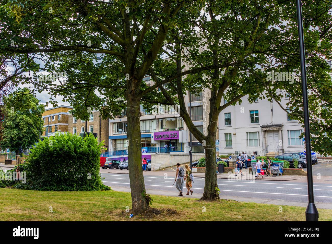 Ci sono 336, 336 Brixton Road, Londra - una carità fornendo uno spazio ufficio per le organizzazioni di disabili Immagini Stock