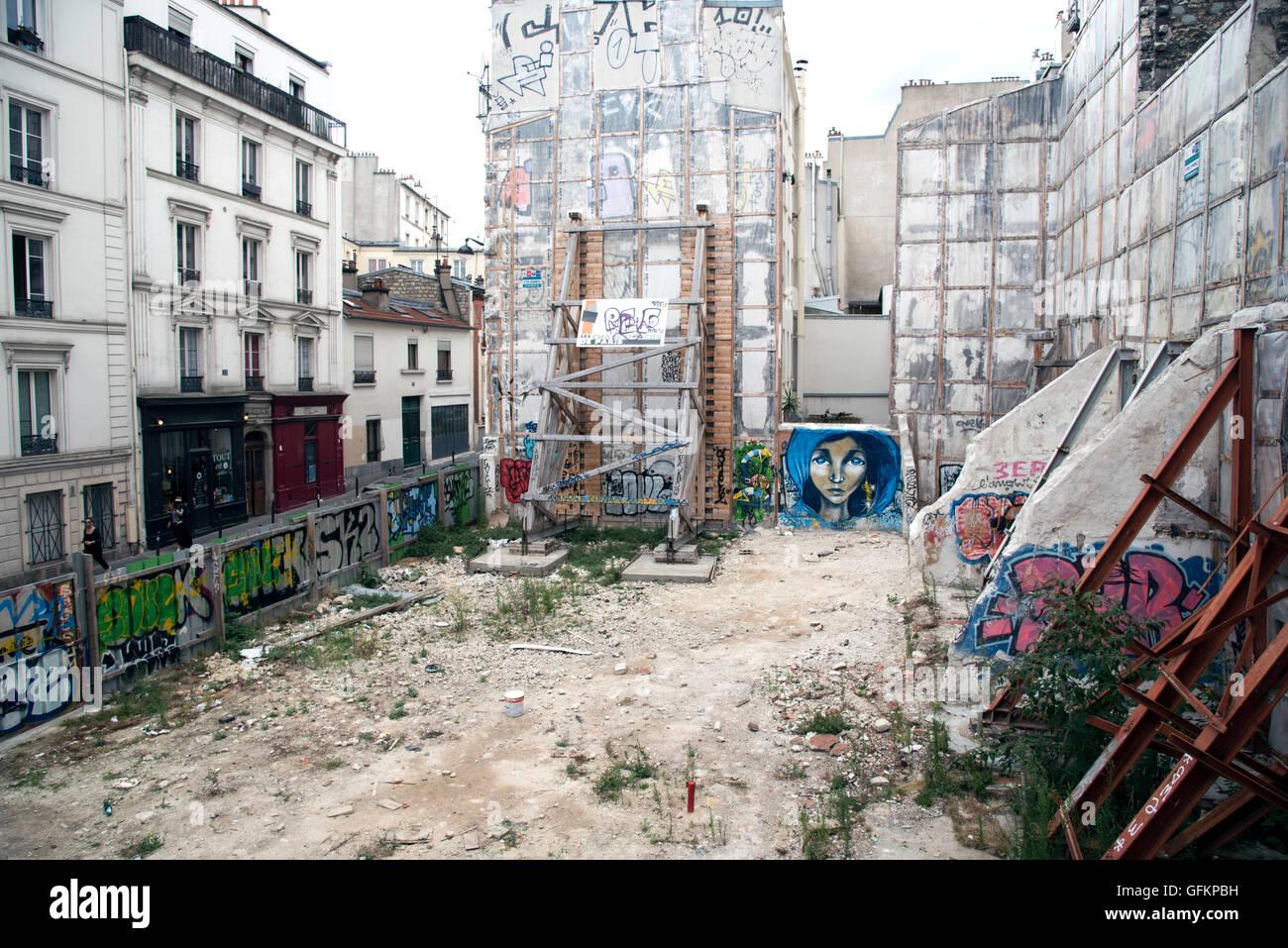 Street Art graffiti murali donna hijab la copertura del capo Immagini Stock
