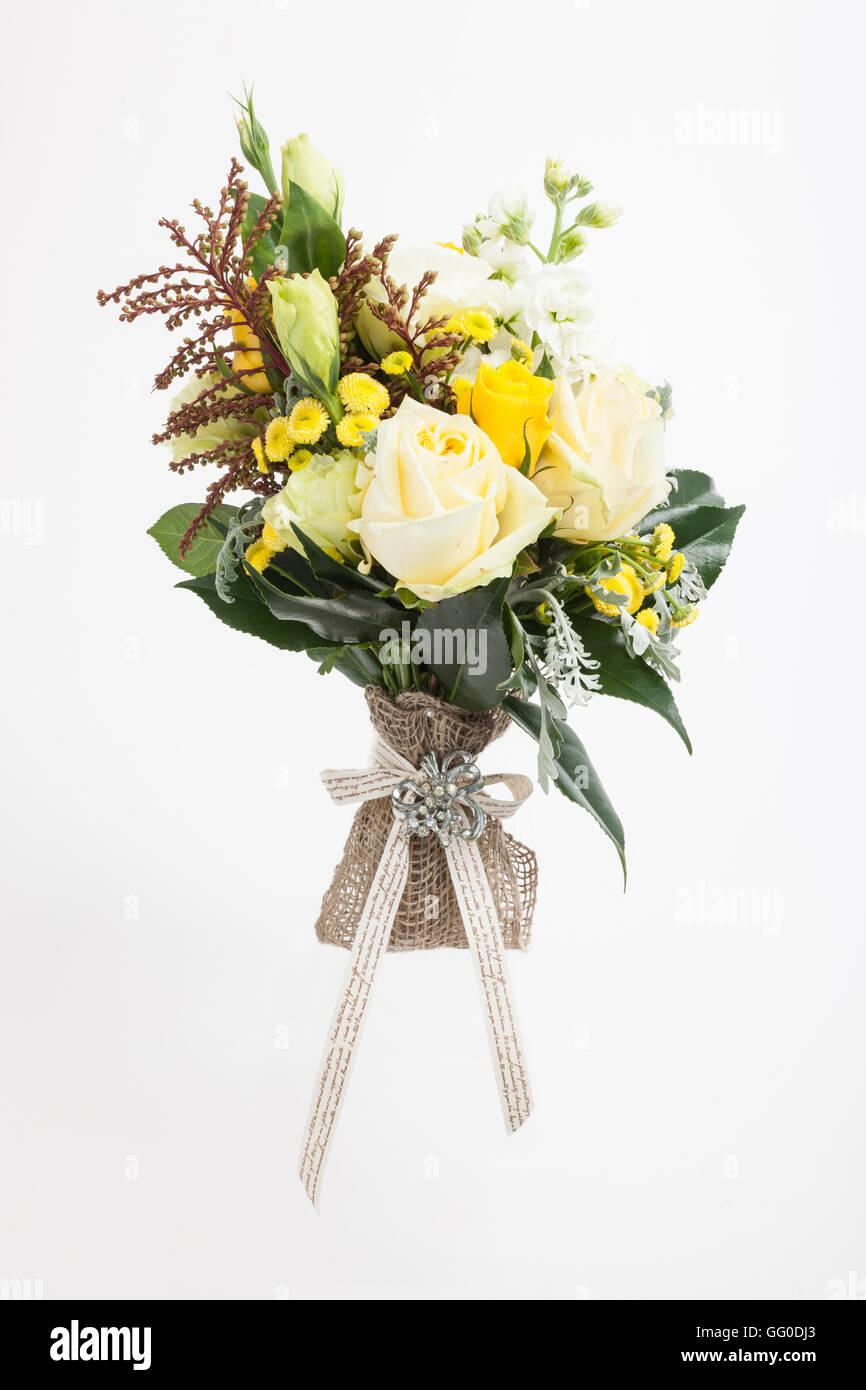 Bridal Bouquet Di Fiori Australiani Felci E Foglie Sfondo Bianco