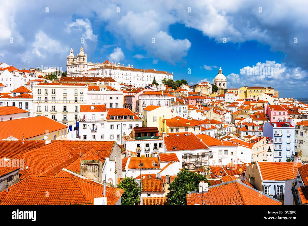 Lisbona, Portogallo skyline della città all'Alfama. Immagini Stock