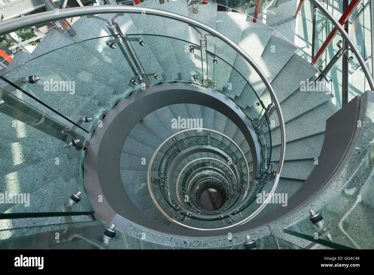 Progettazione Scale A Chiocciola : La scala a chiocciola in ufficio edificio casa del nilo progettato
