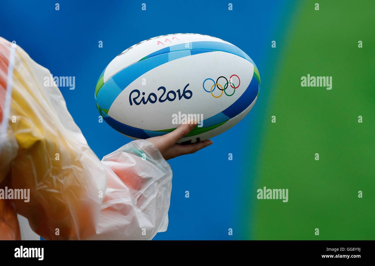 Rio de Janeiro, Brasile. 10 Agosto, 2016. Olimpiadi 2016 Rugby 7 - Dettaglio della palla ovale durante il Rugby Immagini Stock