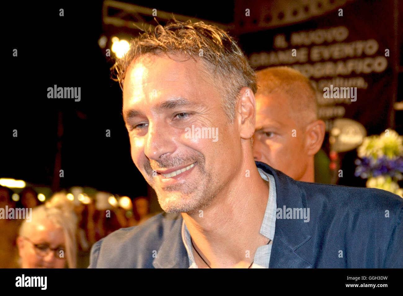 Amore Nero Raoul Bova raoul bova immagini & raoul bova fotos stock - alamy