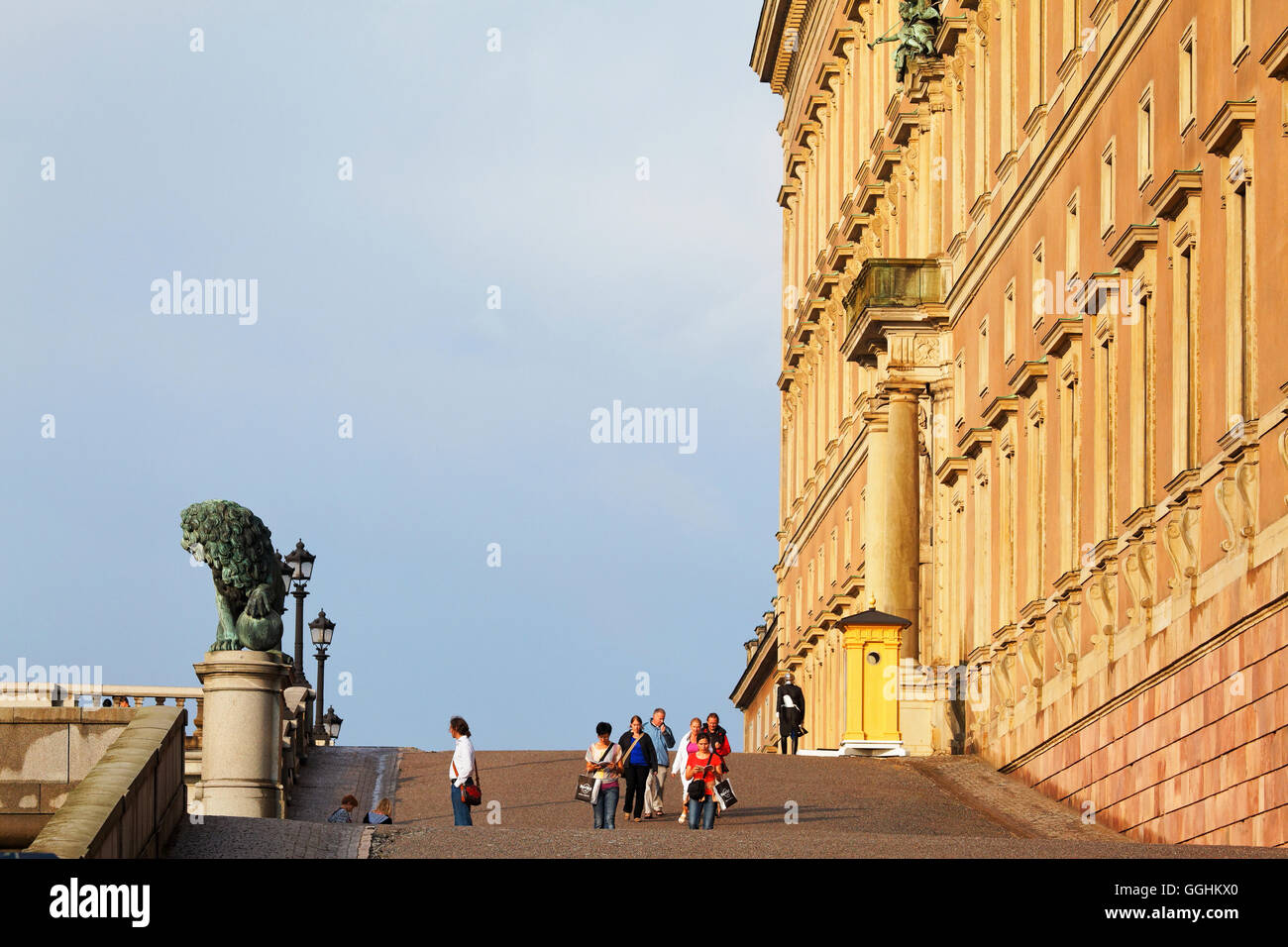 Lejonbacken, a rampa fino al palazzo di Stoccolma, la Gamla Stan, Stoccolma, Svezia Foto Stock
