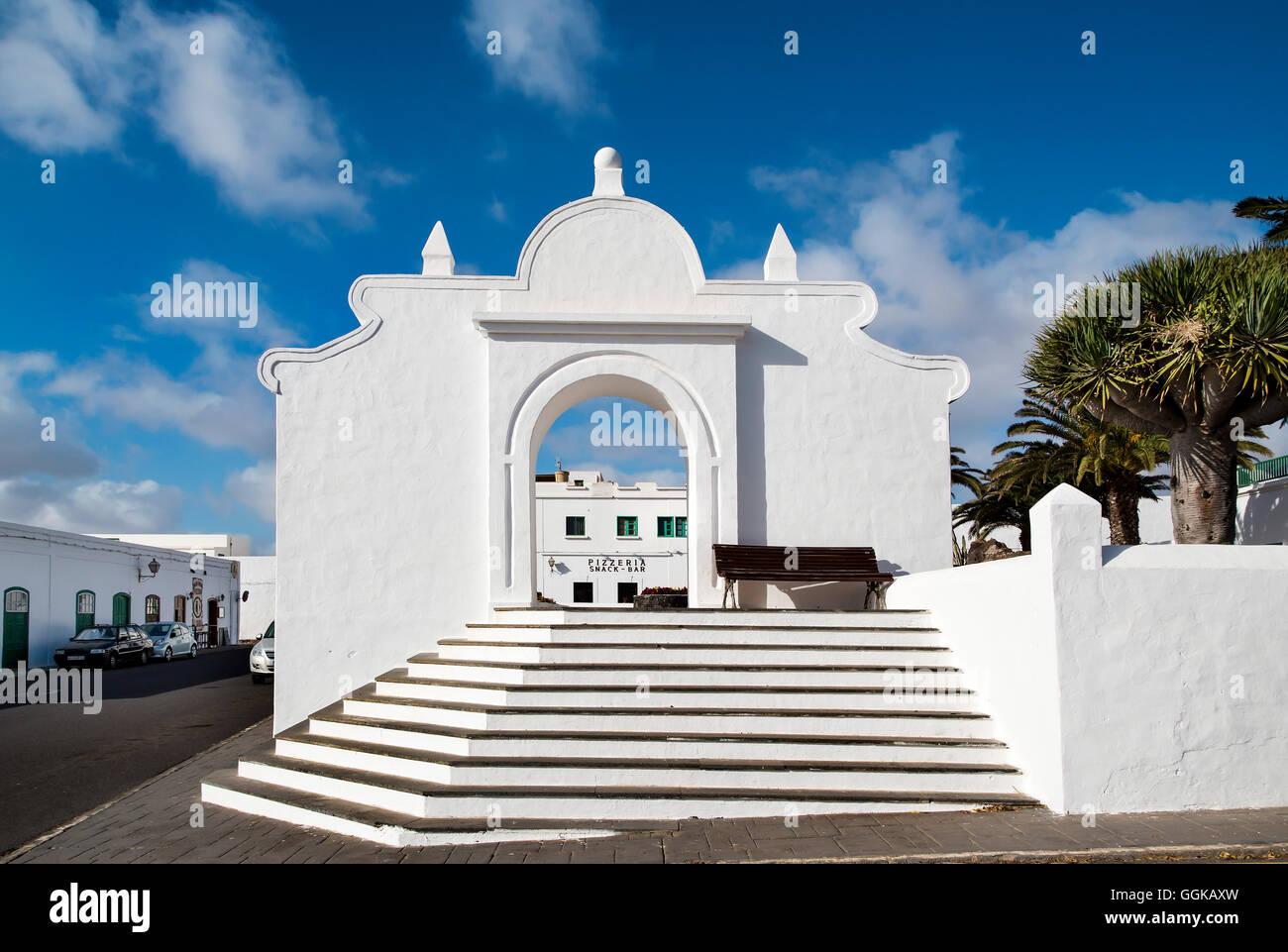 Passaggi di colore bianco in Teguise, Lanzarote, Isole Canarie, Spagna Immagini Stock