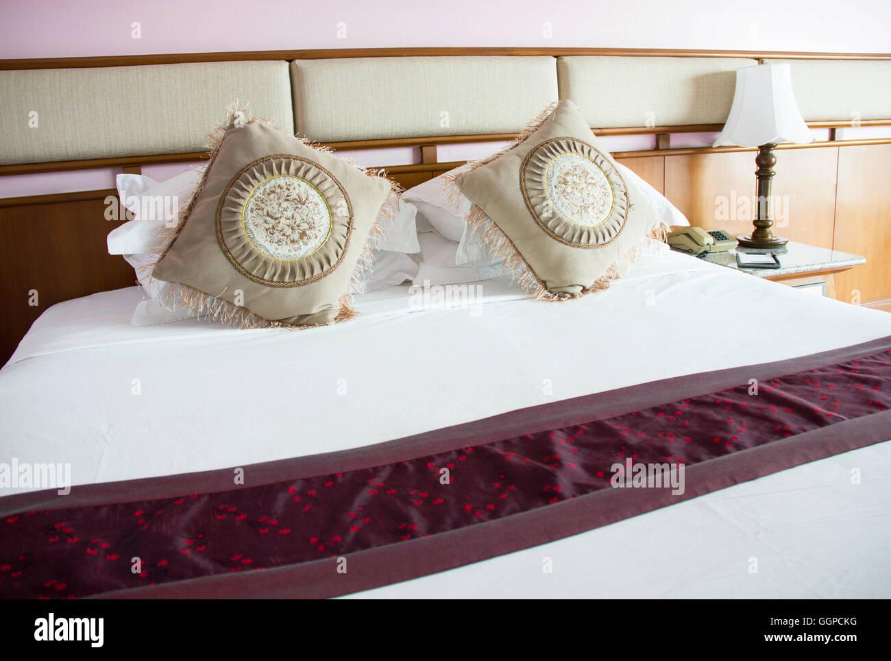 Camere Da Letto Stile Orientale : Pulire vintage stile orientale double bed size nella camera da