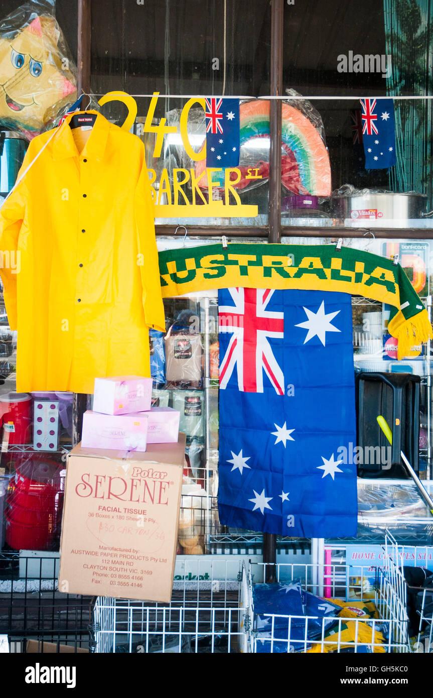 Finestra di una ridda store nella città di paese di Castlemaine, Victoria, Australia Immagini Stock