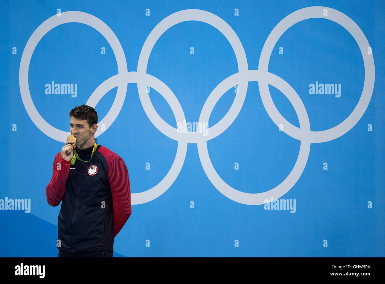 Rio de Janeiro, RJ, Brasile. 11 Ago, 2016. Nuoto Olimpiadi: Michael Phelps (USA) reagisce dopo la sua ventiduesima Immagini Stock