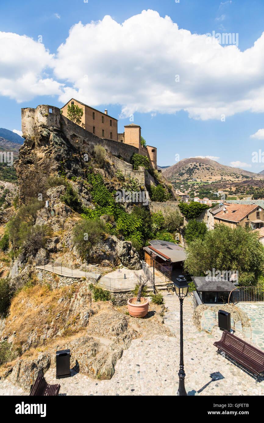 Cittadella di Corte in Corsica, una popolare destinazione di viaggio in Francia. Immagini Stock