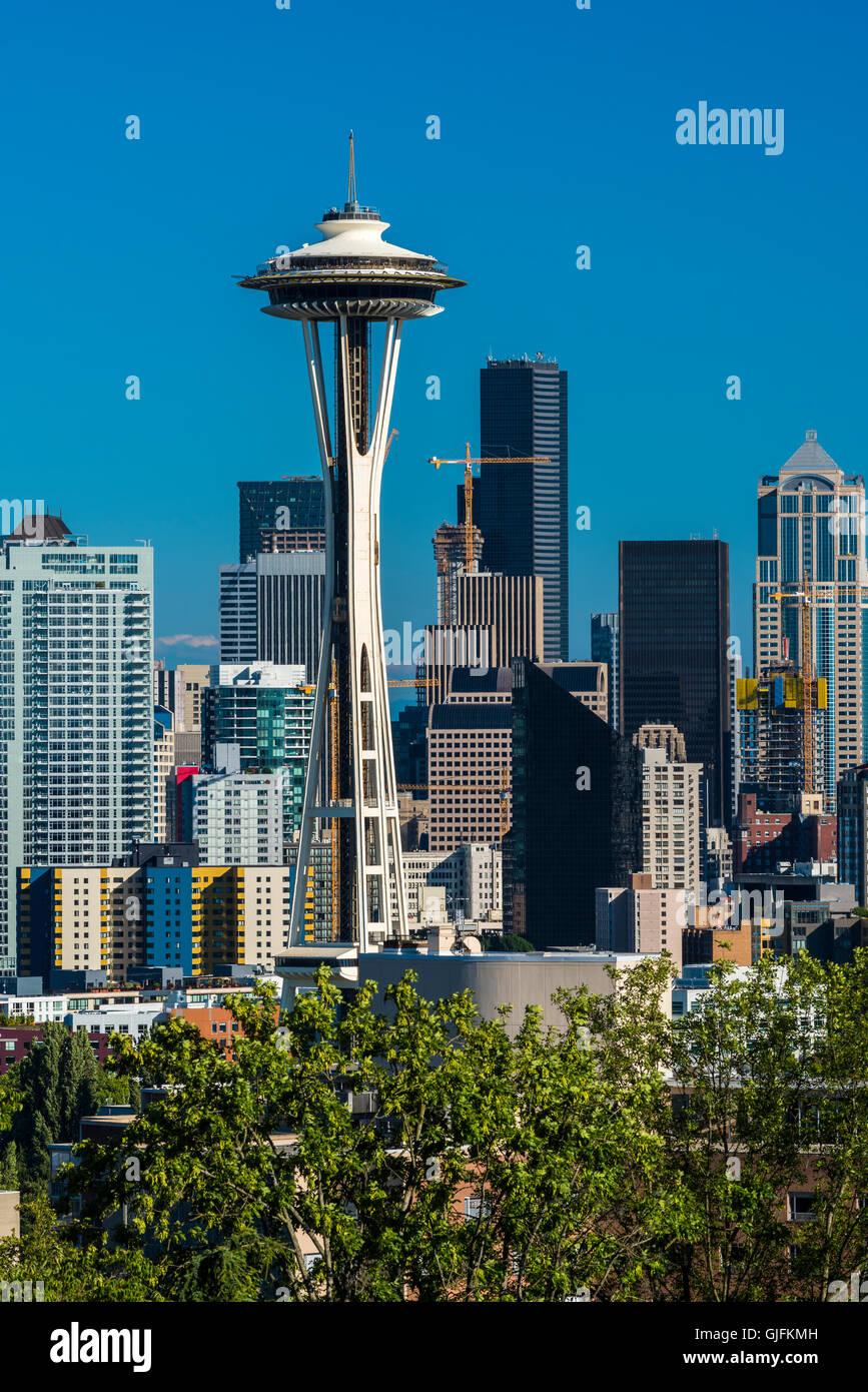 Skyline del centro con lo Space Needle e il Seattle, Washington, Stati Uniti d'America Immagini Stock