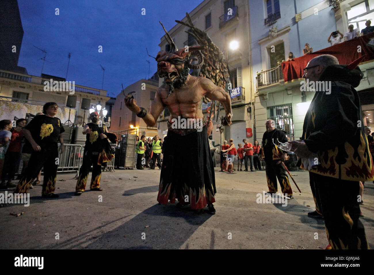 Barcellona, Spagna. 17 Ago, 2016. Festeggiamenti presso la Plaça de la Vila de Gràcia durante la Festa Immagini Stock