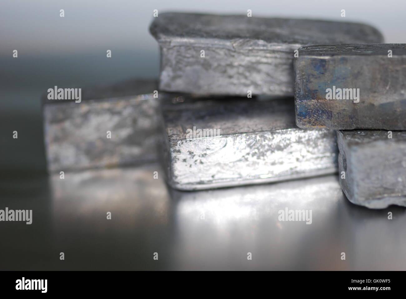 Il piombo (plumbum) pb metallo pesante Immagini Stock