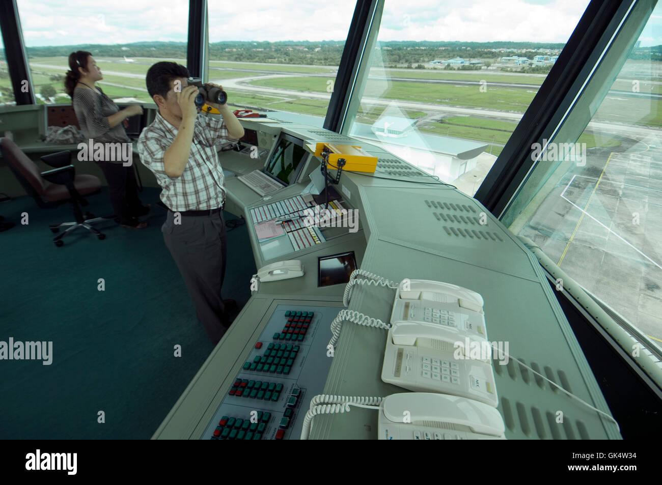 Bandar Seri Begawan, Brunei --- Il controllo del traffico aereo torre in Brunei --- Image by © Jeremy Horner Immagini Stock