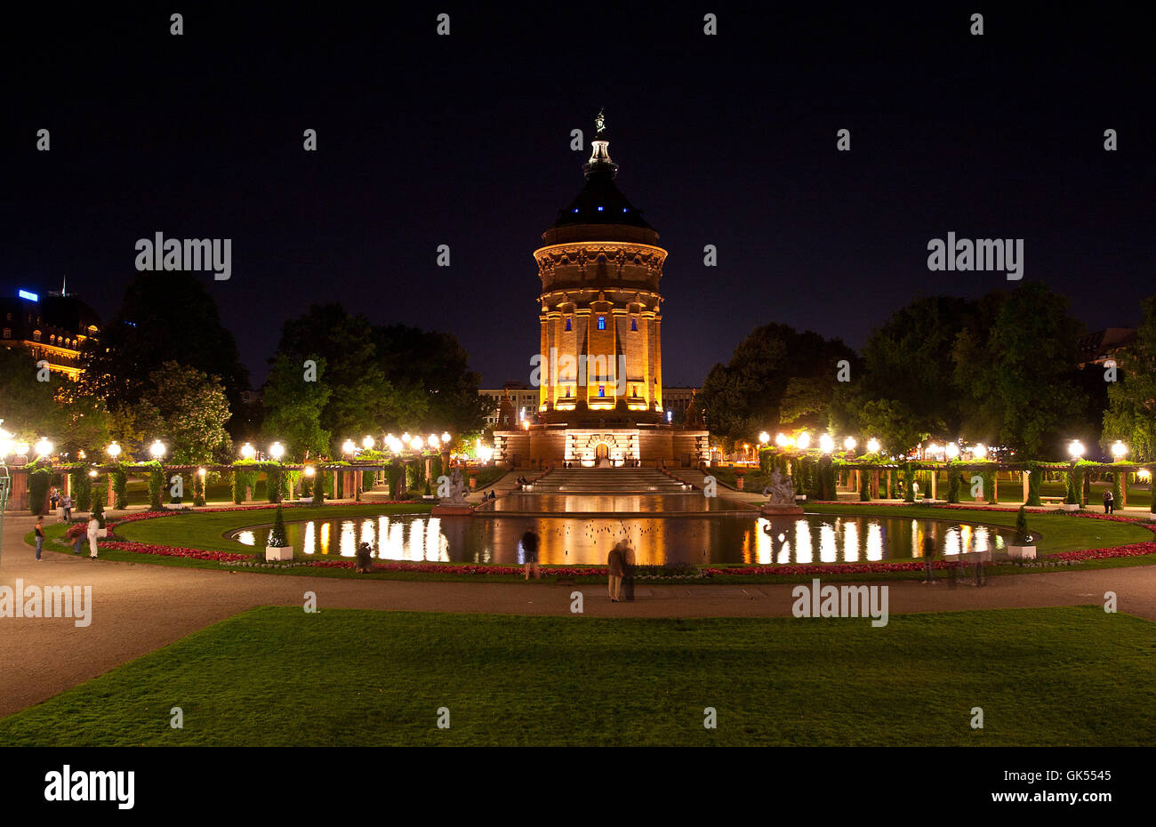 Mannheim water tower di notte Foto Stock