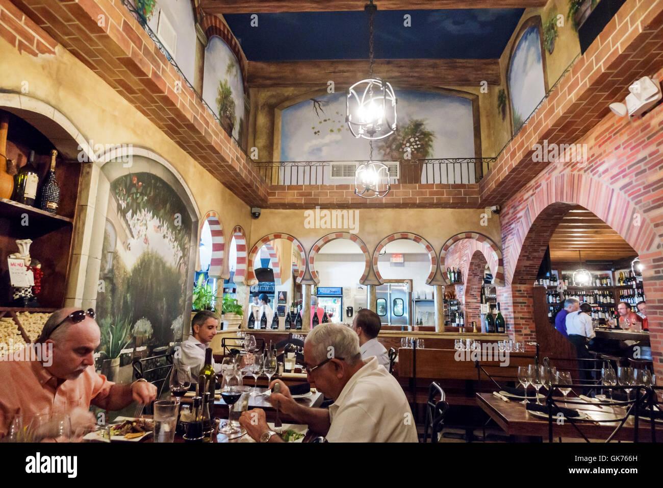 Sala Da Pranzo Etnica.Miami Florida El Carajo Tapas Bar Di Vino Spagnolo