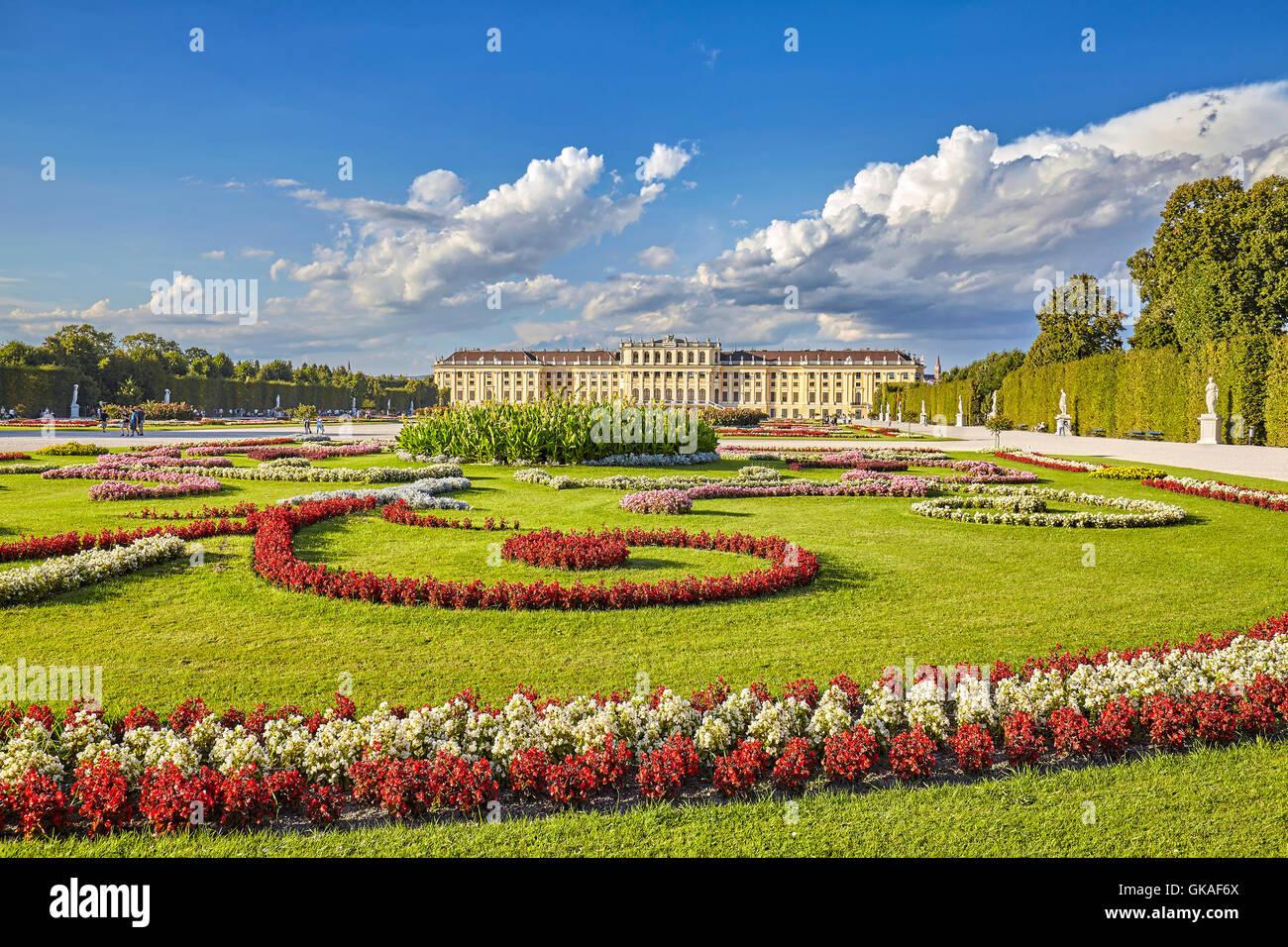Nel giardino del Palazzo di Schonbrunn complesso. Immagini Stock