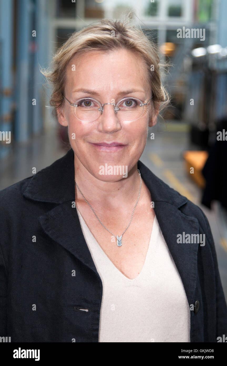 ÃSA LARSSON uno dello scrittore svedese dietro la svedese ondata di criminalità nella letteratura Immagini Stock