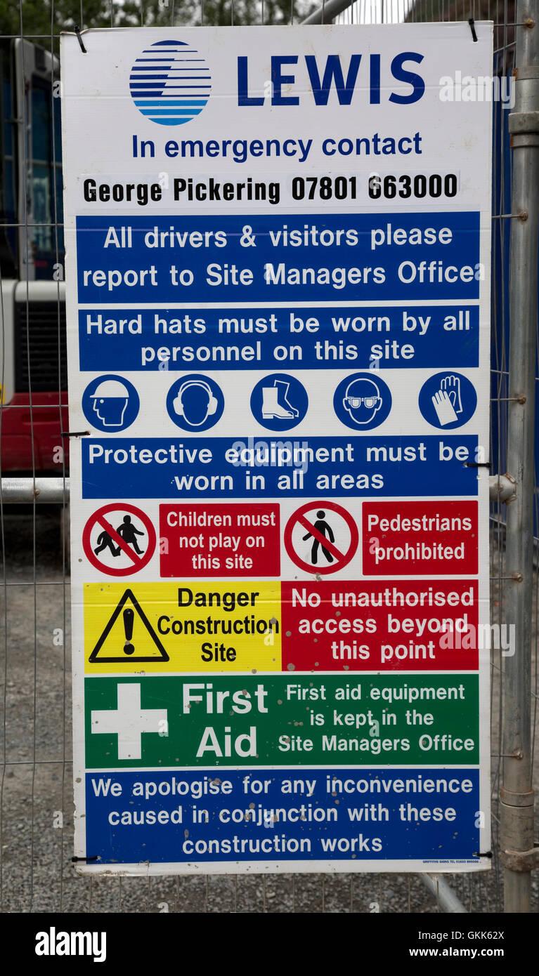 Normative in materia di salute e sicurezza in cantiere il Galles Centrale Regno Unito Immagini Stock