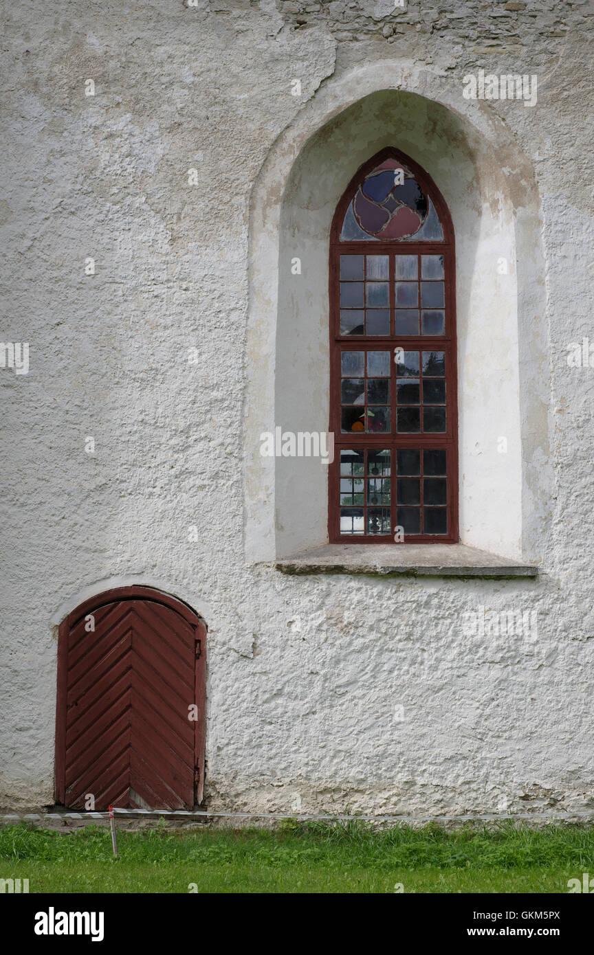 Finestra Dettagli. Mihkli chiesa nella contea di Pärnu. Estonia Stati Baltici UE Foto Stock