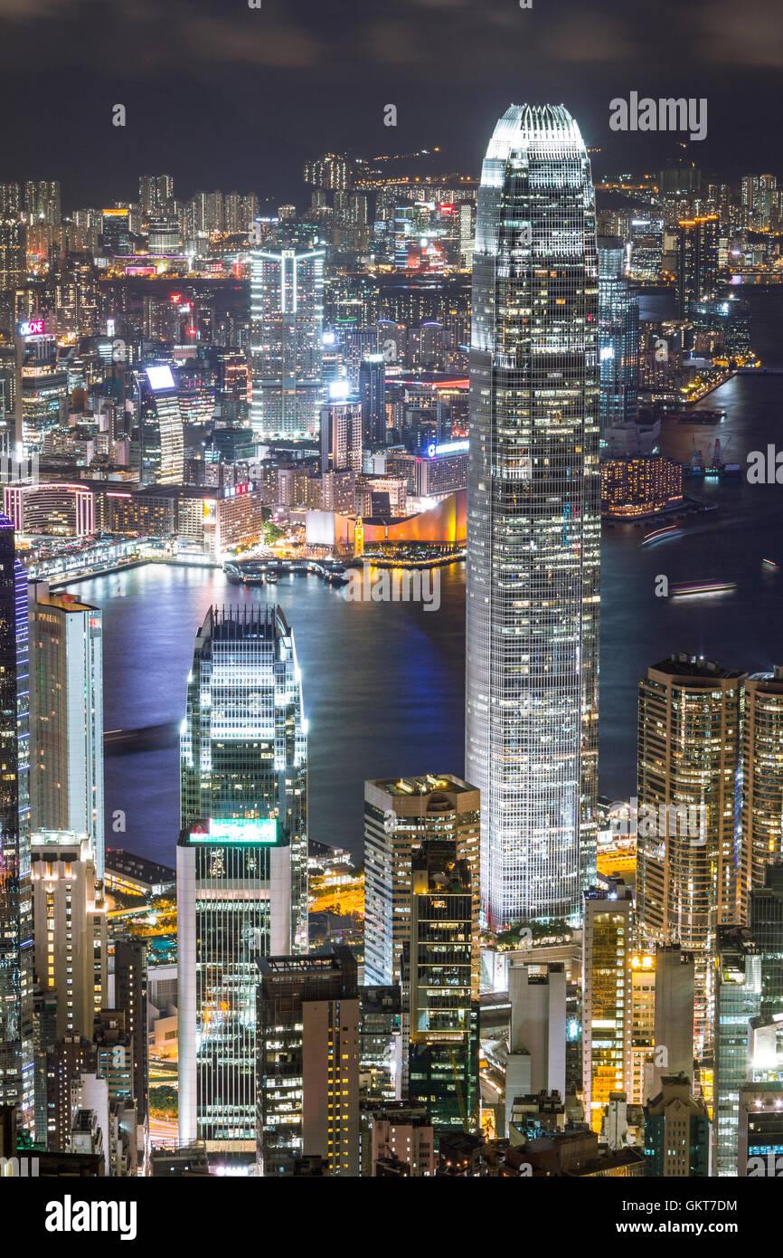 Skyline di Hong Kong di notte Immagini Stock