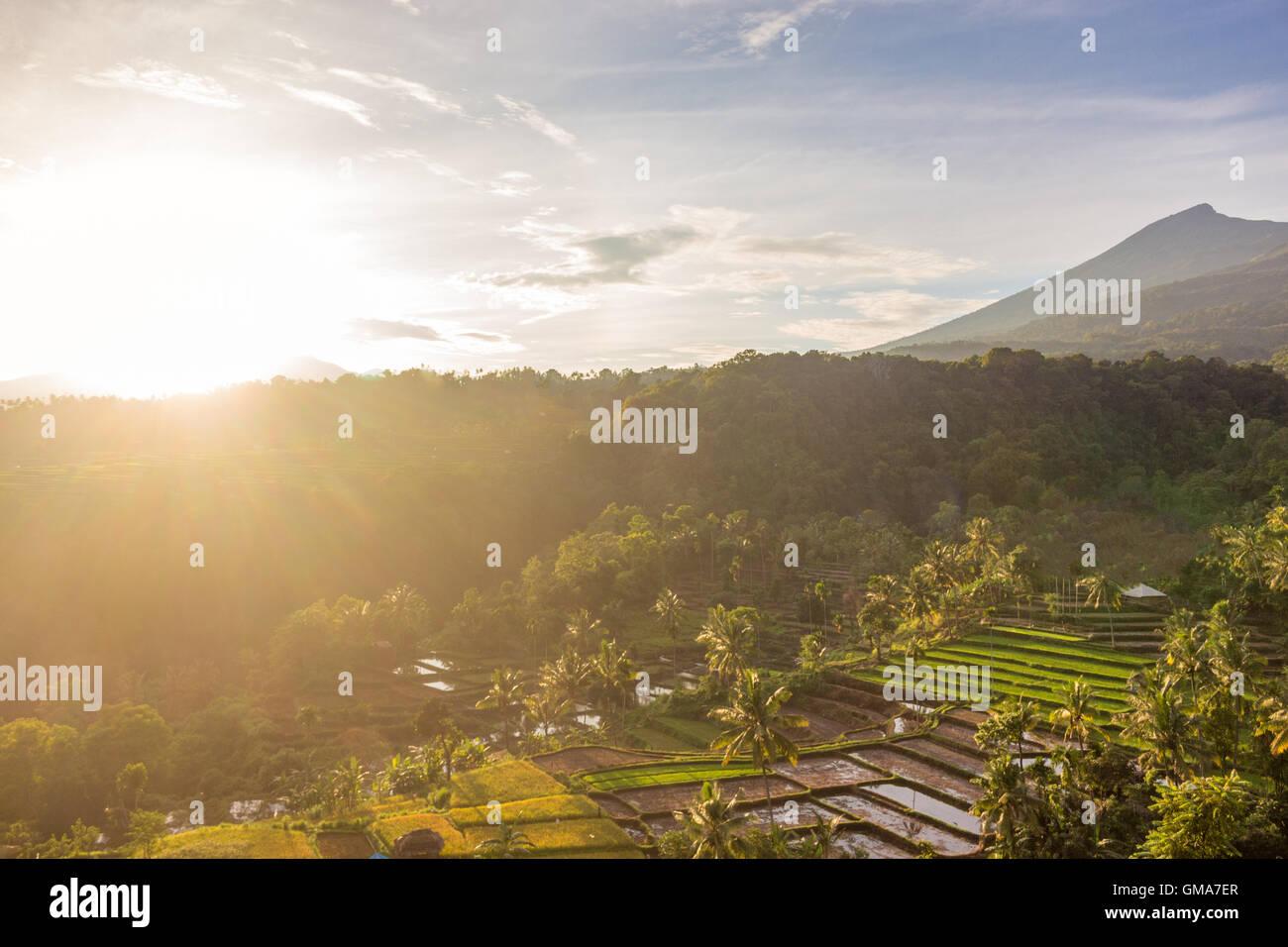 Tramonto sul Monte Rinjani a Lombok Immagini Stock