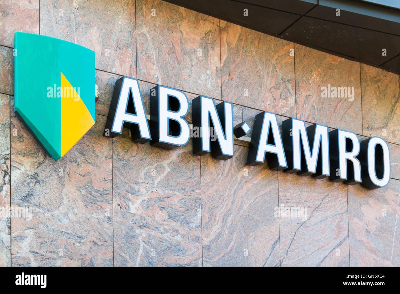 Nome del marchio logo ABN AMRO Bank sulla filiale locale di Alkmaar, North Holland, Paesi Bassi Immagini Stock